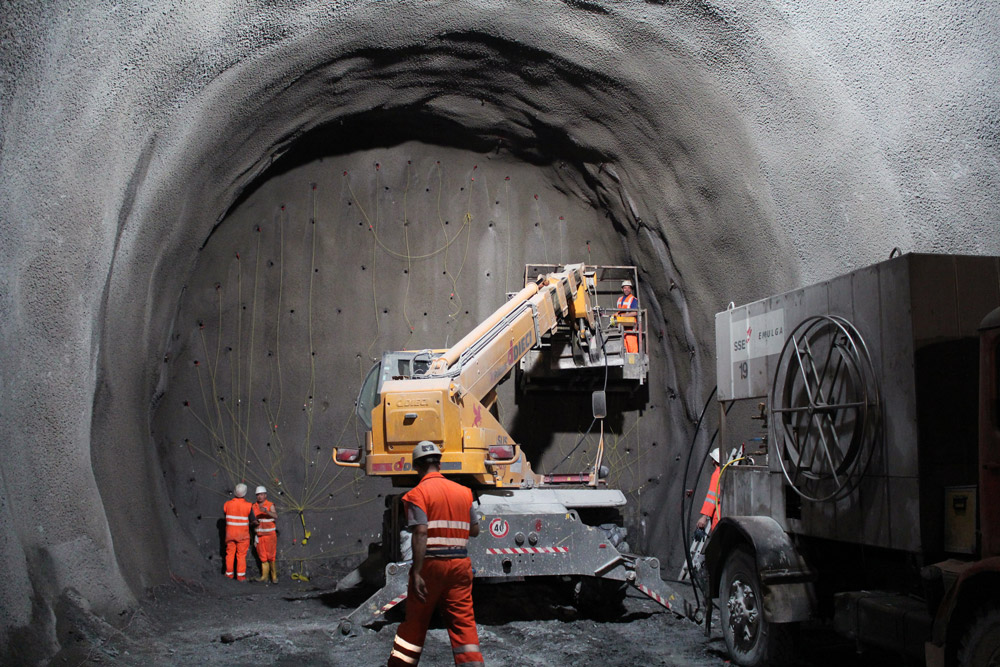 tunnel-2316267